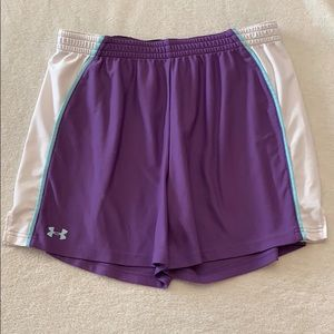 Under armor loose fit shorts size large